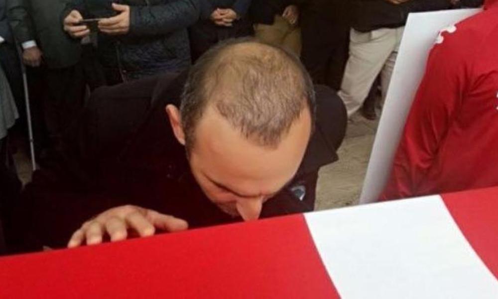 Συγκινητικές στιγμές στην κηδεία του Ναϊμ Σουλεϊμάνογλου με τον Βαλέριο Λεωνίδη (vid)