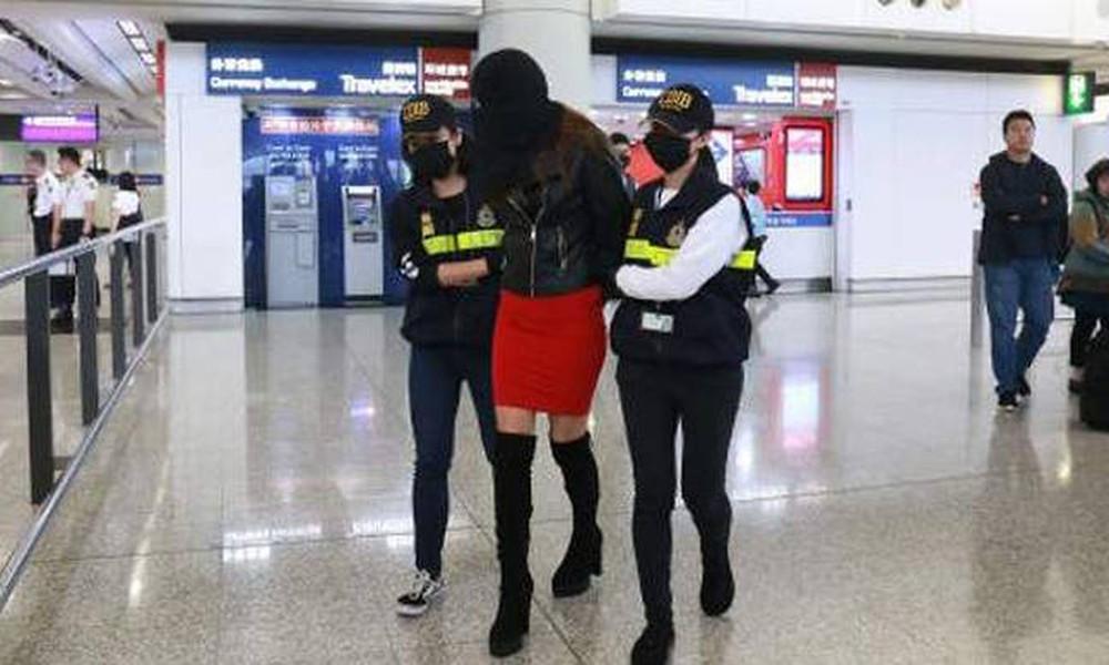 Στη δημοσιότητα τα στοιχεία της Ελληνίδας που συνελήφθη με τα 2,6 κιλά κοκαΐνης (photos+video)