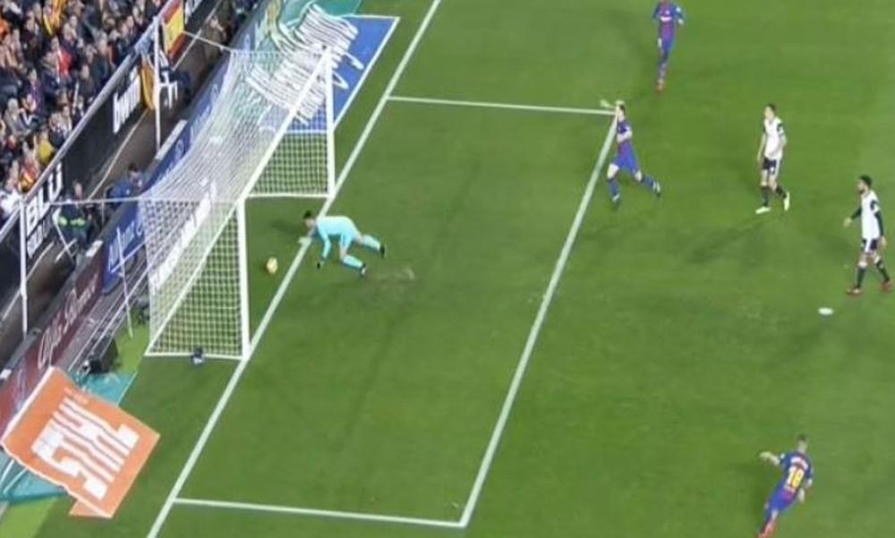 Κι όμως αυτό το ΠΕΝΤΑΚΑΘΑΡΟ γκολ του Μέσι στο Βαλένθια-Μπαρτσελόνα δεν μέτρησε! (video)