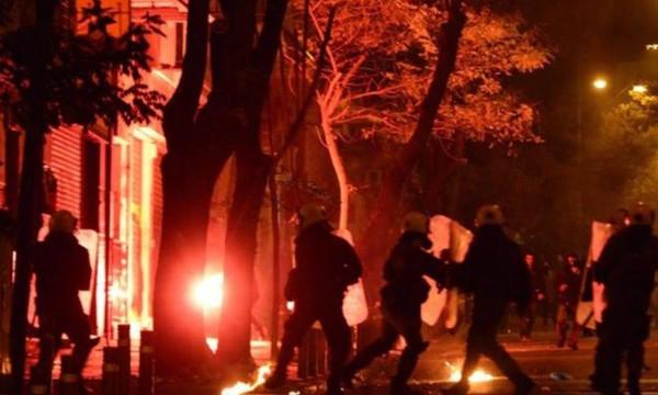 Ολυμπιακός-Γιουβέντους: Επεισόδια με οπαδούς στο «Γ. Καραϊσκάκης» πριν τη σέντρα! (video)