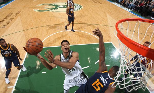 NBA: Ασταμάτητος ο Αντετοκούνμπο! (photos+video)