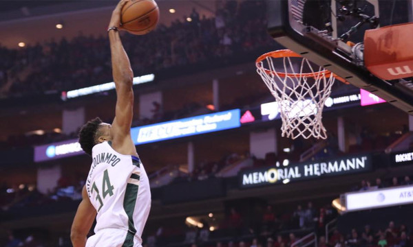 NBA: «Ρουκέτα» ο Αντετοκούνμπο, δεν άντεξαν τα «Ελάφια» (photos+video)