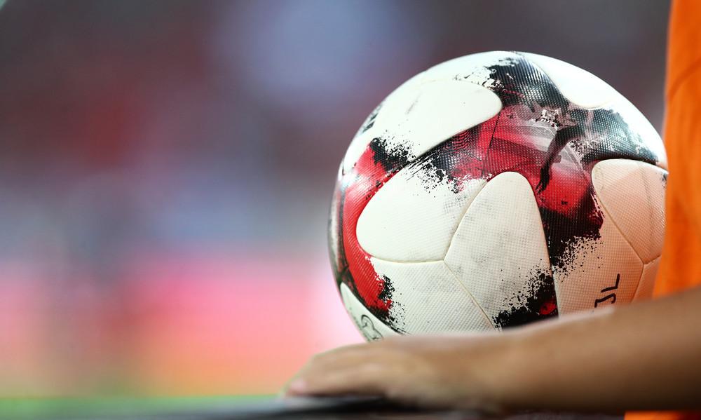 Οι πιο συγκινητικές στιγμές στα γήπεδα του κόσμου για το 2017 (video)