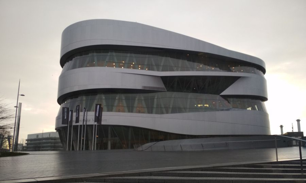 Το μουσείο της Mercedes-Benz είναι εμπειρία ζωής (photos+videos)
