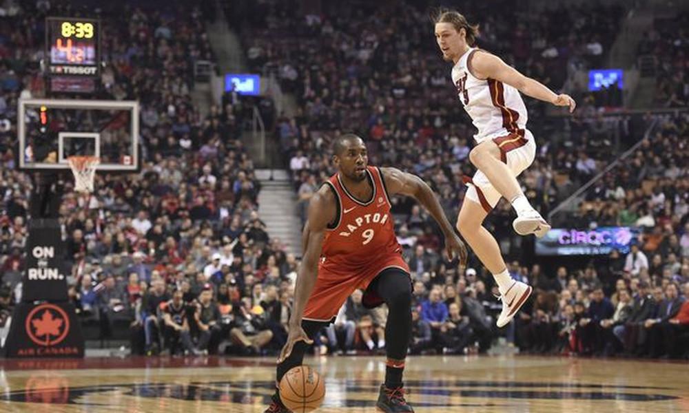 NBA: Μεγάλο «διπλό» για Χιτ στο Τορόντο