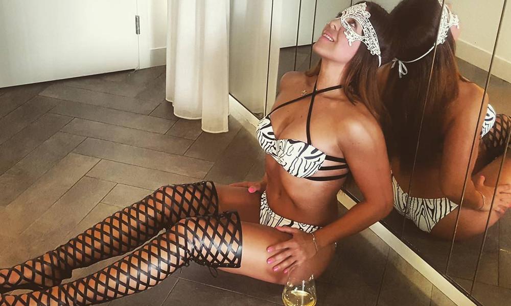 Διάσημη Ελληνίδα γυμνάστρια σε κολασμένες πόζες!