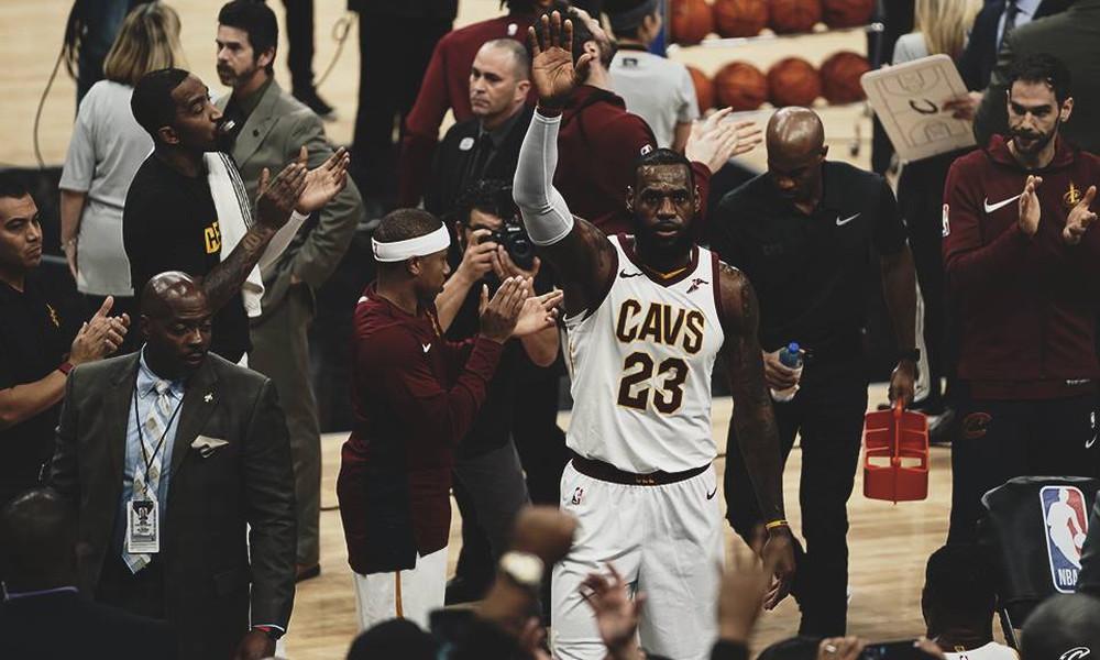 NBA: Ιστορία ο ΛεΜπρόν, νέα ήττα για Καβς!
