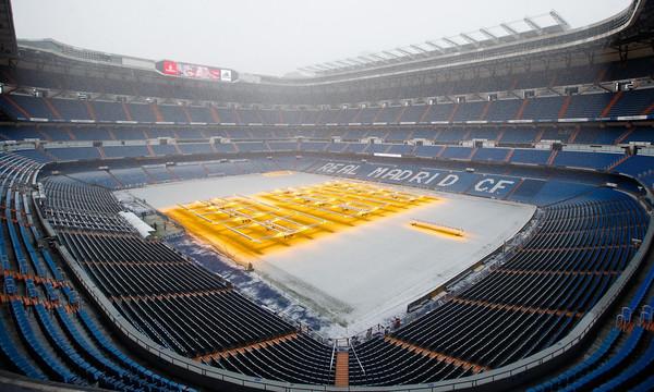 Το «Σαντιάγκο Μπερναμπέου» «πνίγηκε» στο χιόνι (video)