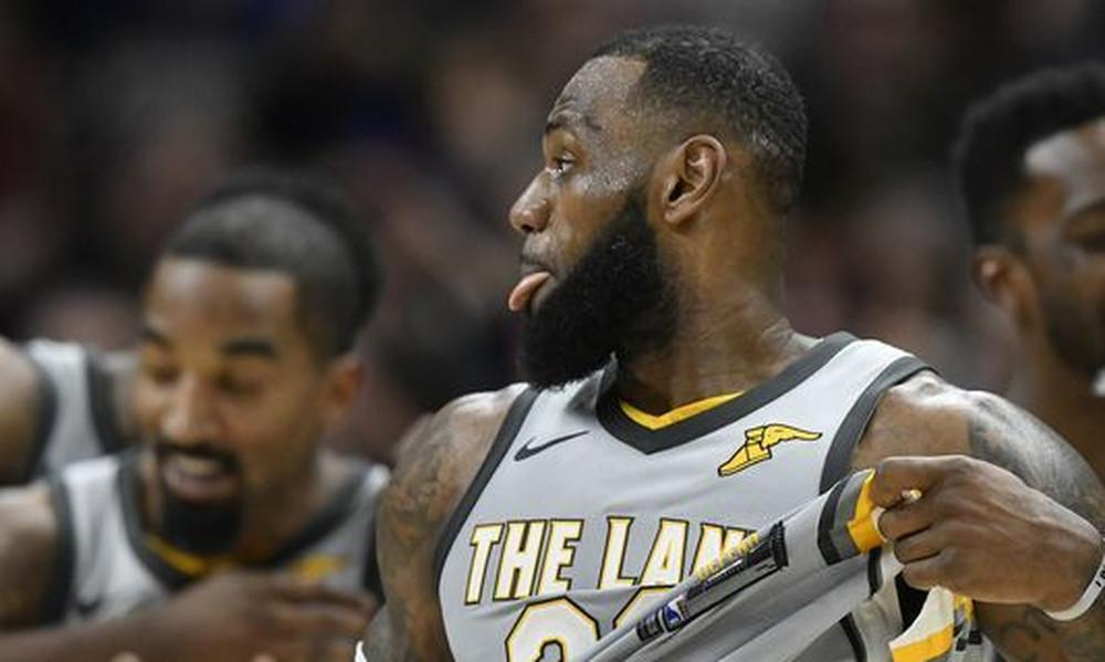 NBA: Όργια... ΛεΜπρόν με triple double και buzzer beater!