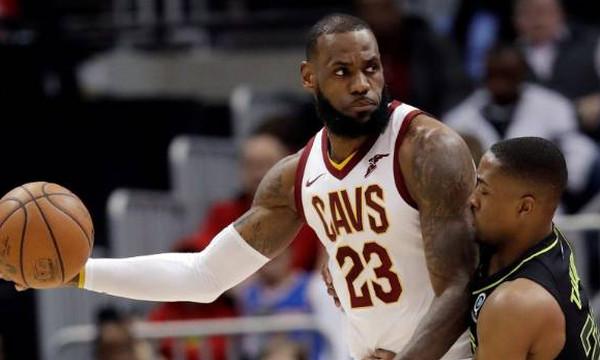 NBA: Οργίασε… μόνος του ο ΛεΜπρόν! (videos)