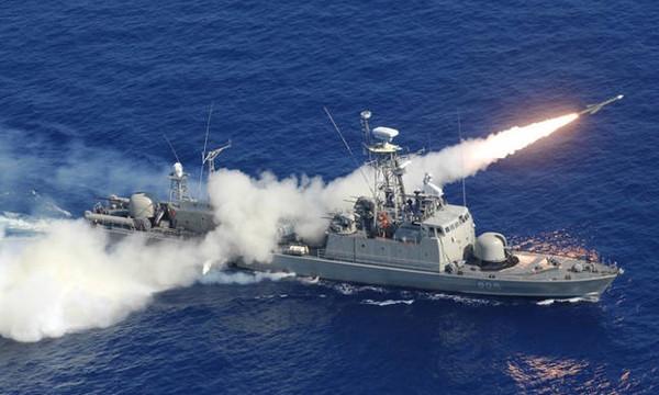 Ένταση στα Ίμια: 11 τουρκικά πλοία απέναντι από 8 ελληνικά