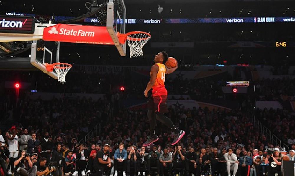 NBA: «Βασιλιάς» των καρφωμάτων ο Μίτσελ με τρελές… πτήσεις (video)