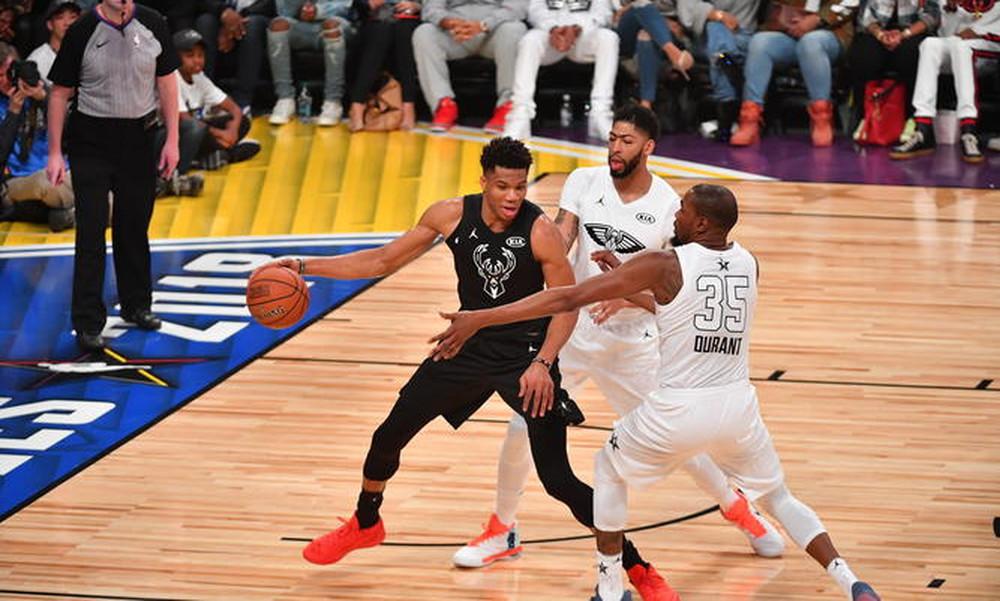 NBA All Star Game: Ο ΛεΜπρόν νίκησε Αντετοκούνμπο και πήρε το θρίλερ (photos+video)