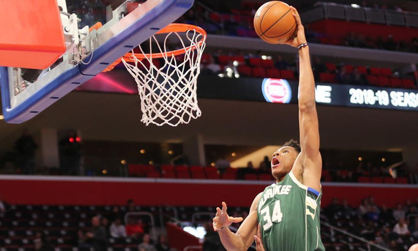 NBA: Στο top 10 ο Αντετοκούνμπο (video)