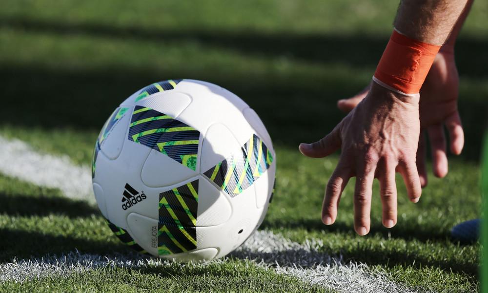 Σοκ! Γνωστός ποδοσφαιριστής υπέστη εγκεφαλικό (photos)