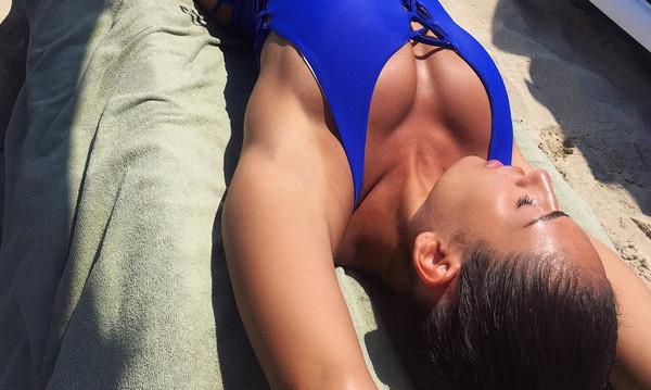 Η Ραφαέλα με καυτά εσώρουχα κάνει... σεισμό! (photos)
