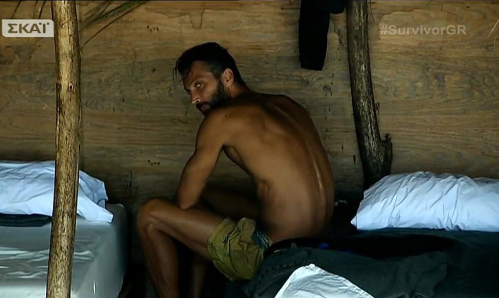 Survivor 2: Το Twitter κράζει άσχημα τον Τεό που κλέβει φαγητό! (photos)