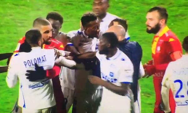 Πλακώθηκαν μεταξύ τους οι παίκτες της Οσέρ! (video)