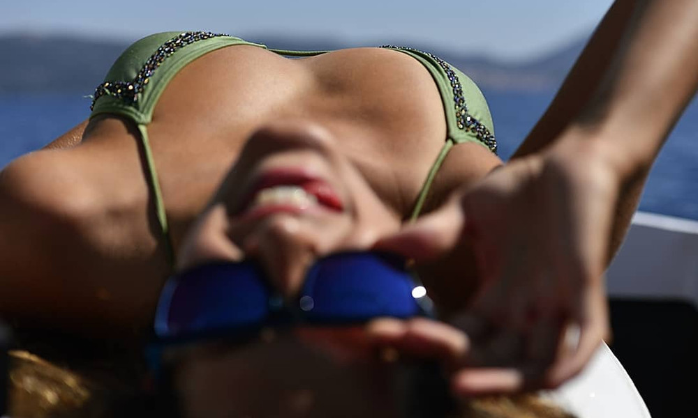 Ελληνίδα παίκτρια του Survivor μοιράζει πόνο με τις καμπύλες της!