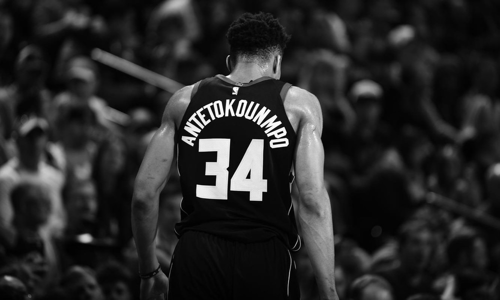 NBA: Έβρισε διαιτητή και αποβλήθηκε ο Αντετοκούνμπο! (photos+video)