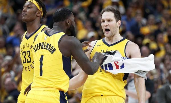 NBA: Τρομερή ανατροπή και προβάδισμα Πέισερς! (videos)