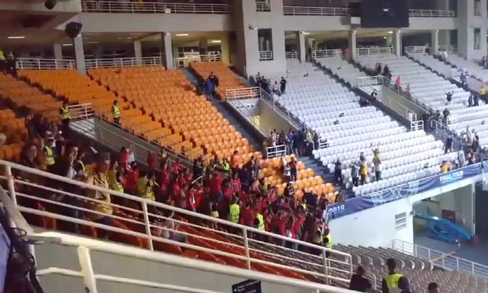 To... respect των φίλων της Μούρθια στην ΑΕΚ (video)