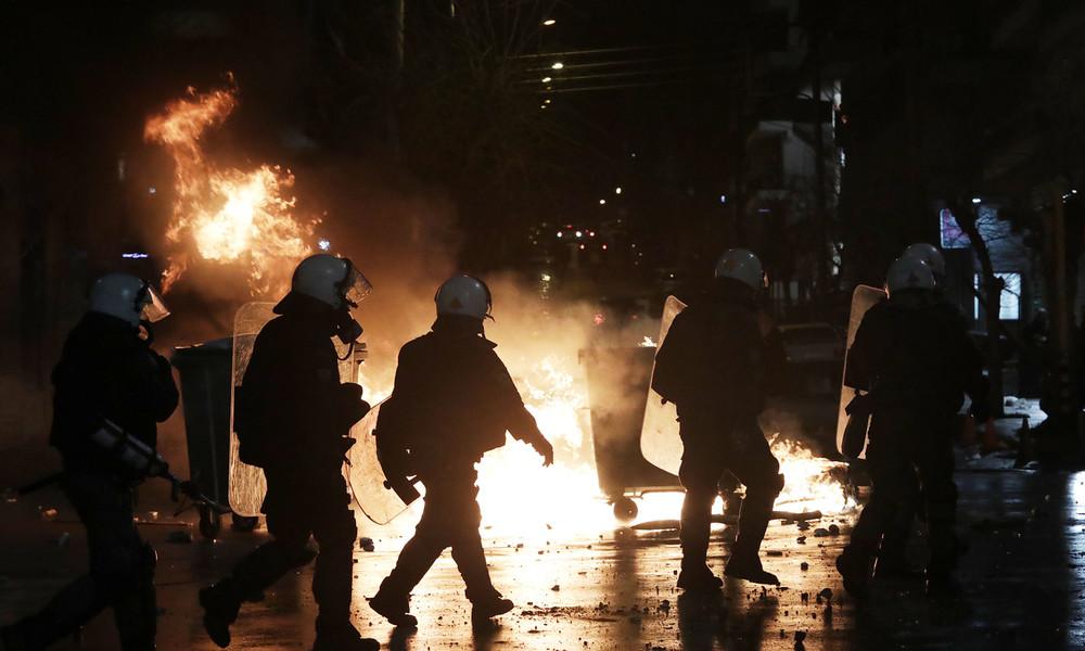 Επεισόδια με οπαδούς στο κέντρο της Αθήνας λίγο πριν τον τελικό! (video)