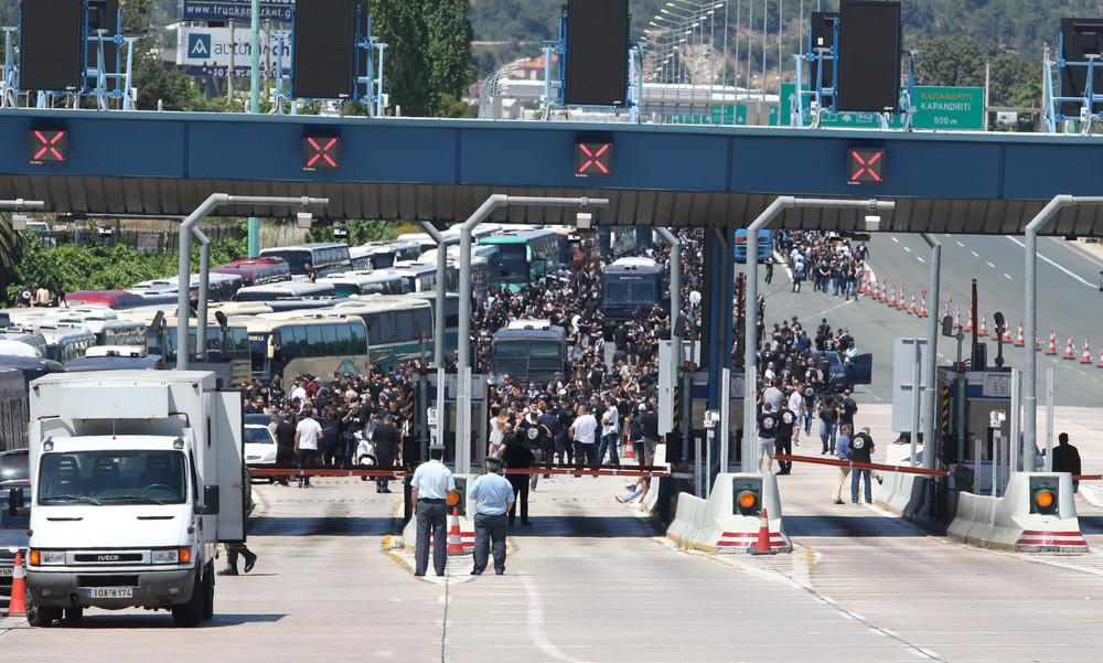 Τελικός Κυπέλλου: Μπαίνουν στην Αθήνα οι οπαδοί του ΠΑΟΚ (photos)