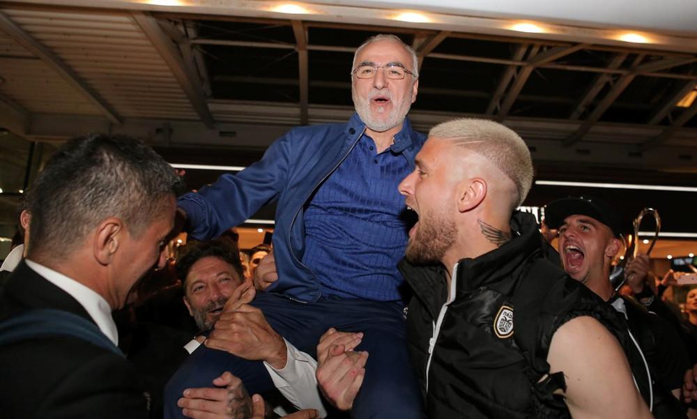 ΠΑΟΚ: Σήκωσαν στα χέρια τον Ιβάν Σαββίδη οι παίκτες (photos)