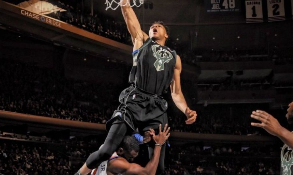 NBA: Ο Αντετοκούνμπο έκανε το κάρφωμα της χρονιάς! (video)