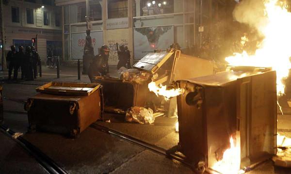 Europa League: Έκαψαν την Μασσαλία οι οπαδοί της Μαρσέιγ (photos+videos)