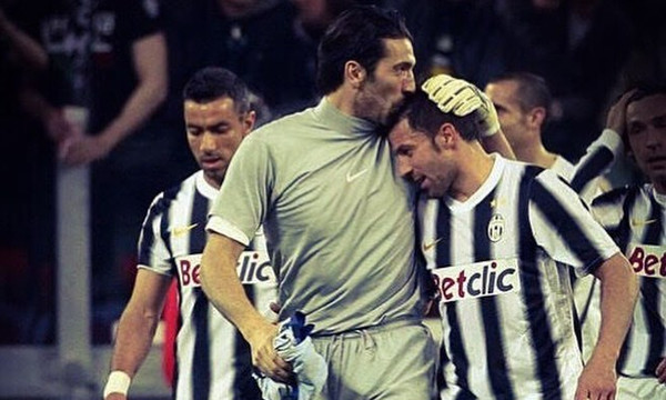 Ο Ντελ Πιέρο υποκλίθηκε στον Μπουφόν! (photo)