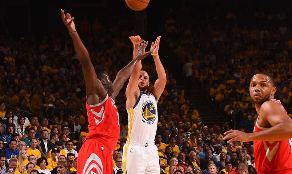 NBA: Ξέσπασε ο Κάρι, διέλυσαν τους Ρόκετς οι Ουόριορς (photos+video)