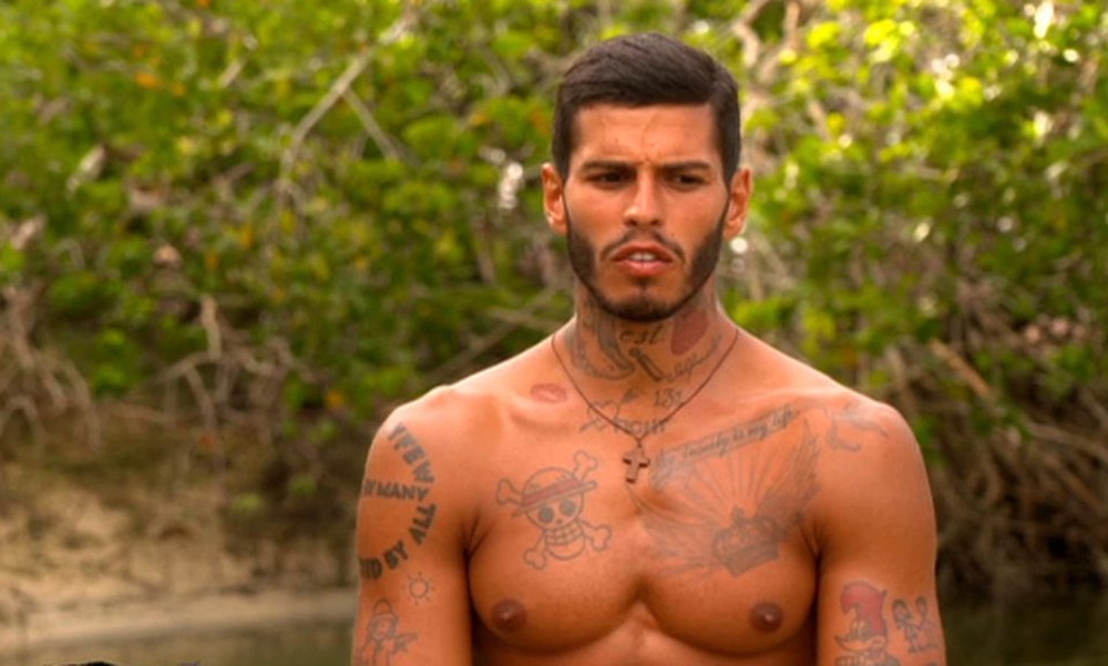 Survivor 2: Όργια στο Twitter με την γκρίνια των «Διάσημων» για Αγόρου (photos+tweets)