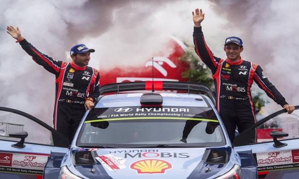 WRC: Νίκη με... ανατροπή για Νεβίλ