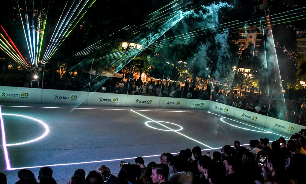 ΒΙΝΤΕΟ: Δείτε το Σύνταγμα να μετατρέπεται στο πιο πρωτότυπο γήπεδο ποδοσφαίρου
