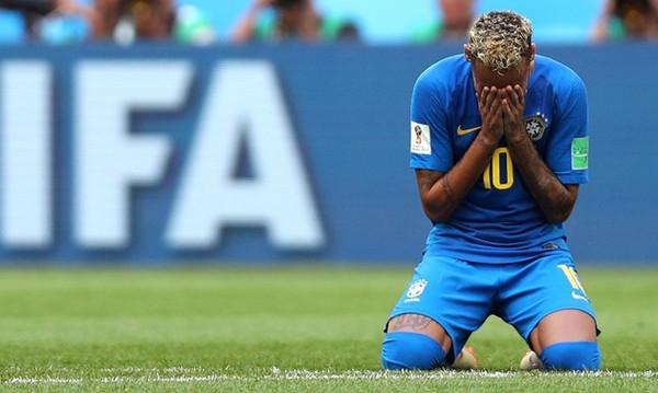 Παγκόσμιο Κύπελλο Ποδοσφαίρου 2018: Το ξέσπασμα του Νεϊμάρ και η επική του τούμπα του Τίτε (video)
