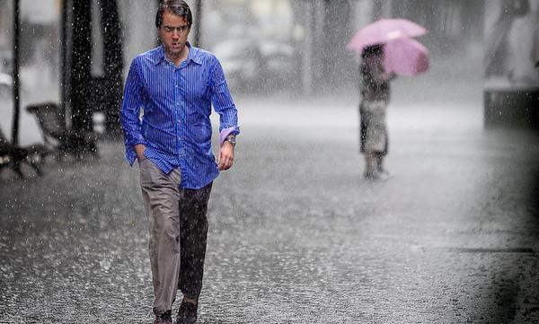 Η καλοκαιρινή βροχή το ΣουΚου πονάει πάντα πιο πολύ