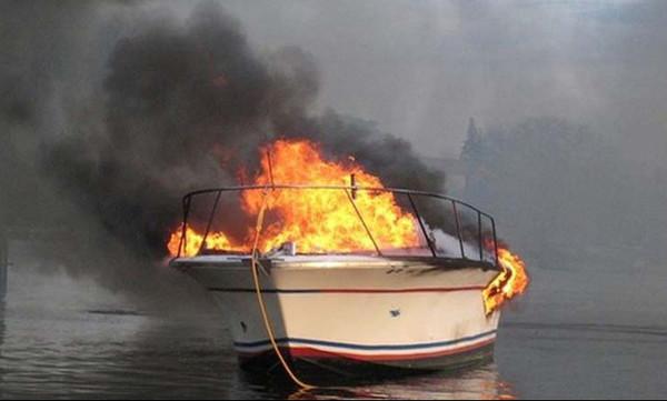 Σοκαριστικό: Με σοβαρά εγκαύματα η κόρη πασίγνωστης παρουσιάστριας μετά από φωτιά σε σκάφος!
