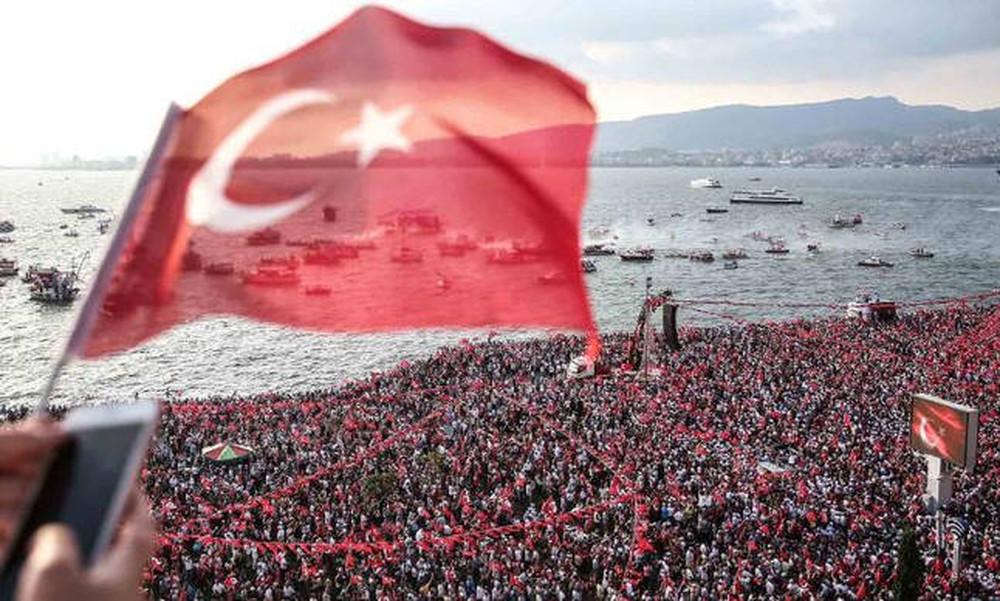 Εκλογές Τουρκία LIVE: Θρίαμβο Ερντογάν με 53% δίνουν τα επίσημα αποτελέσματα