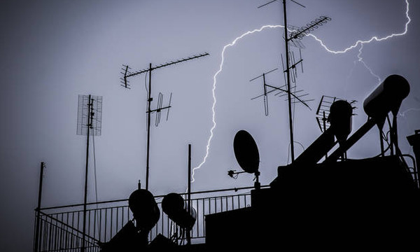 Καιρός: Η «Νεφέλη» έτοιμη να «χτυπήσει» την Ελλάδα – Νέο σφοδρό κύμα κακοκαιρίας
