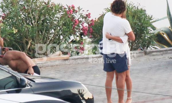 Κοκκινάκης-Κανελλοπούλου: Τους τσακώσαμε στην Τήνο. Οι αγκαλιές και τα φιλιά