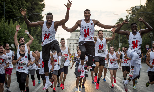 Antetokounbros 5K Run: Η Αθήνα έτρεξε με Γιάννη και Θανάση ενάντια σε όλα τα εμπόδια (photos)