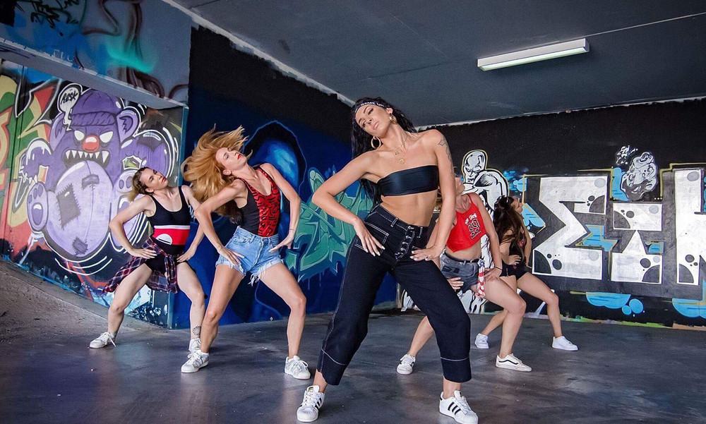 Χριστίνα Ζιώγα: «Δες τη φωτεινή πλευρά» της νέας pop diva (video)