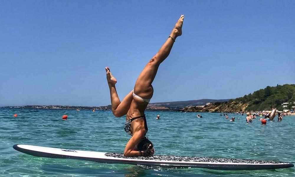 Ελληνίδα γυμνάστρια με τρομερά ανοίγματα (photos)