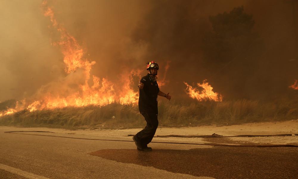 Φωτιά – ΠΣΑΤ: «Χέρι βοήθειας στους συνανθρώπους μας που δοκιμάζονται με σκληρό τρόπο»