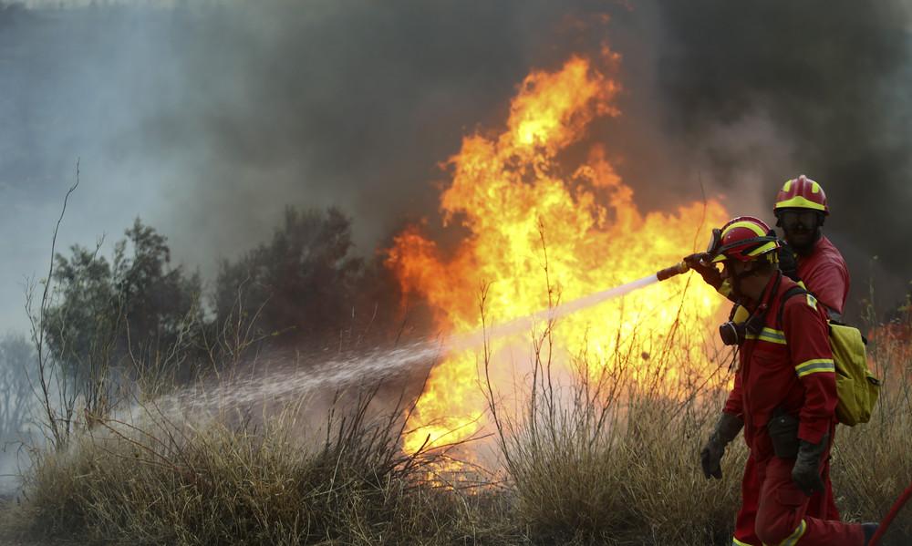 Φωτιά: Μηνύματα συμπαράστασης από ΛεΝτέι και ΜακΦάντεν (photos)