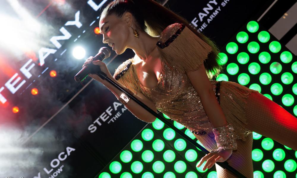 Stefany Loca: Προκαλεί πανικό στην Ρόδο με τις εμφανίσεις της