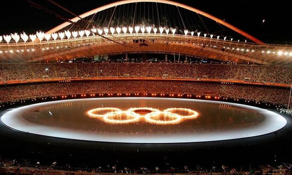 Σαν σήμερα το 2004 πραγματοποιείται η εντυπωσιακή τελετή έναρξης των Ολυμπιακών της Αθήνας (video)
