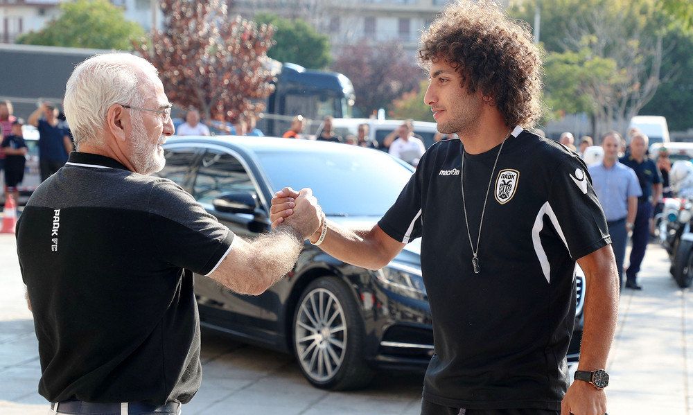 Ο Ιβάν Σαββίδης υποδέχτηκε την αποστολή του ΠΑΟΚ (photos)